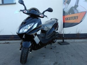 skuter 50 ccm BENYCO Surazo  4T WTRYSK 2018